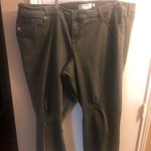 Torrid Size 26 Tall Boyfriend Jeans EUC